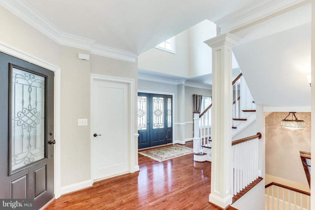 Hardwood Floors Throughout - 10811 CRIPPEN VALE CT, RESTON