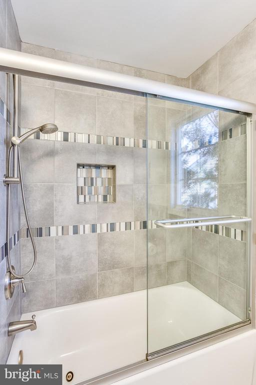 New Glass Shower Door and Hardware - 10811 CRIPPEN VALE CT, RESTON