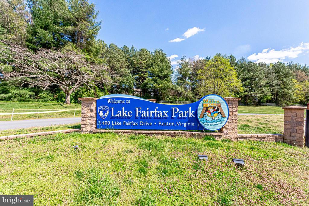 Walking Distance to Lake Fairfax Park and Water Sl - 10811 CRIPPEN VALE CT, RESTON