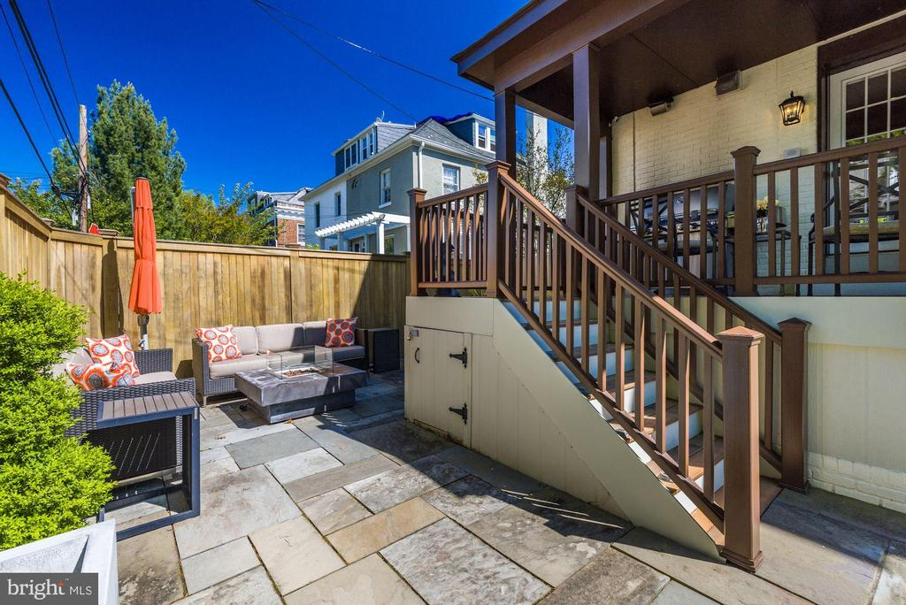 Rear Deck & Patio Accessed From Kitchen - 3001 CATHEDRAL AVE NW, WASHINGTON
