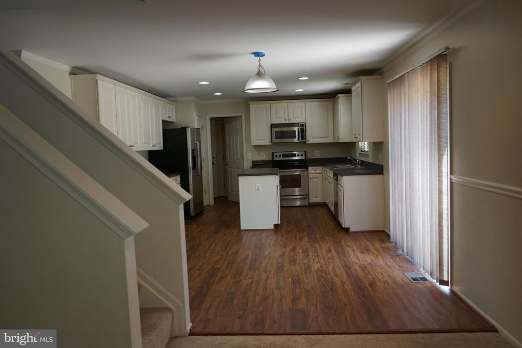 Kitchen View #5 with Breakfast Area - 12 SUMMERFIELD LN, FREDERICKSBURG