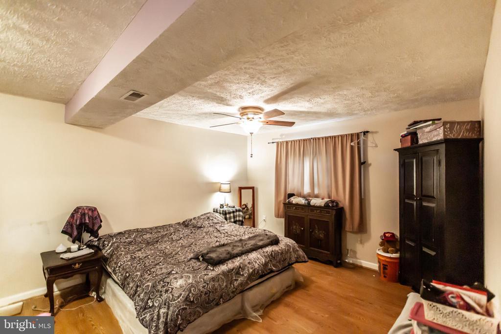 Downstairs Master Bedroom - 11260 REMINGTON RD, BEALETON