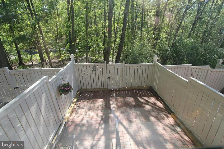 Fenced in private backyard - 1594 WOODCREST DR, RESTON