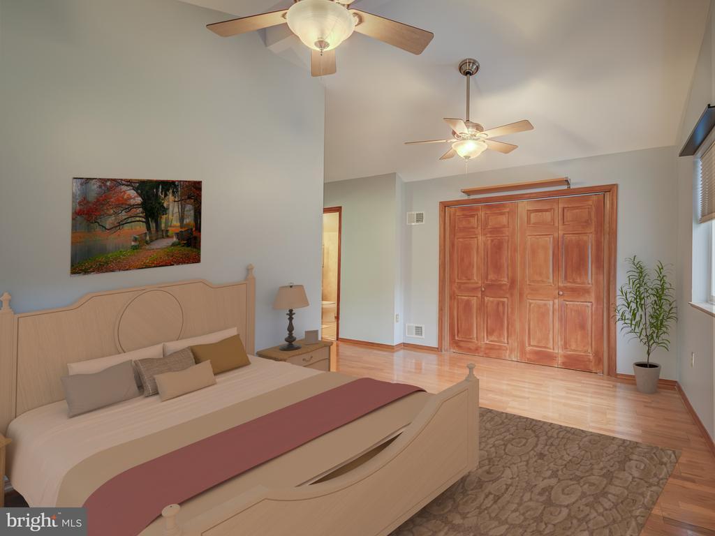 Large Secondary Bedroom For Teens or Grandma? - 5917 WILD FLOWER CT, ROCKVILLE