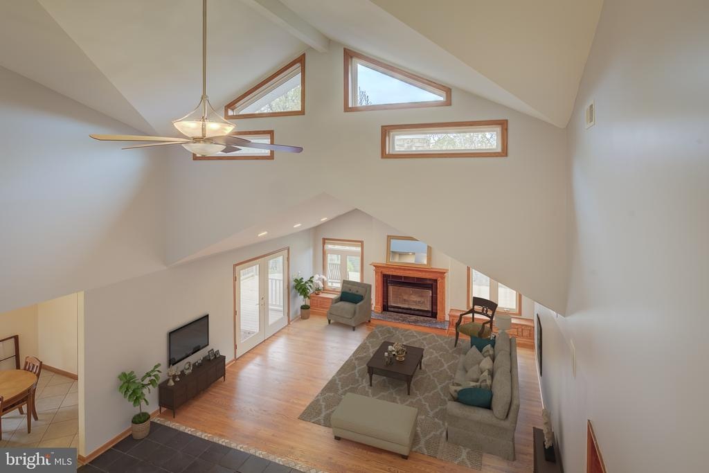 Open And Bright Full Of Light And Life - 5917 WILD FLOWER CT, ROCKVILLE