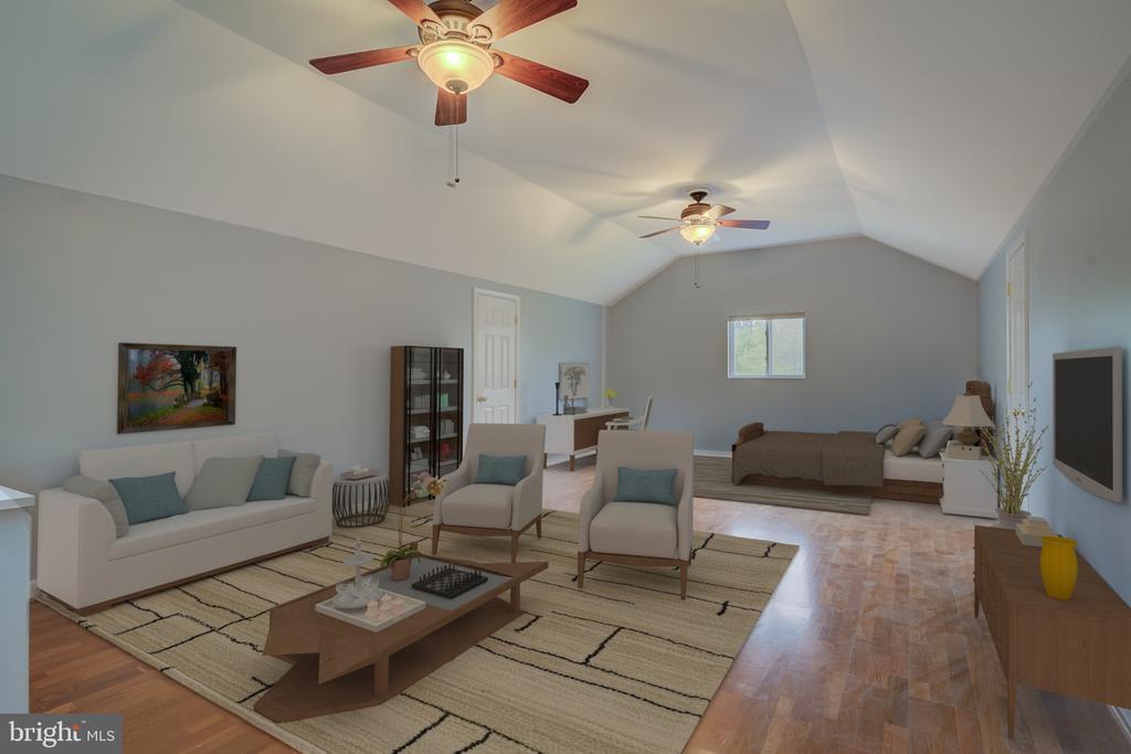 Separate Living Room or Bonus Room Over the Garage - 5917 WILD FLOWER CT, ROCKVILLE