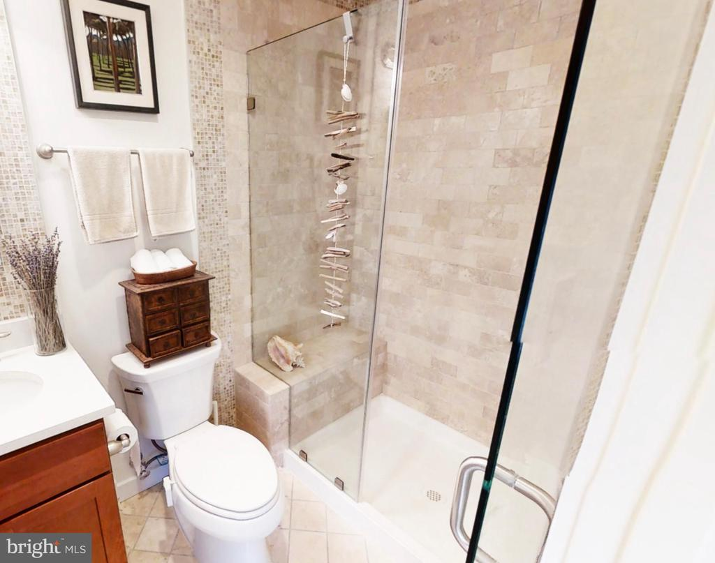 Full shower stall and bench - 732 LAMONT ST NW #303, WASHINGTON