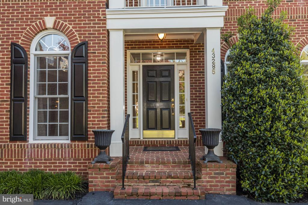 Welcome Home! - 43285 OVERVIEW PL, LEESBURG