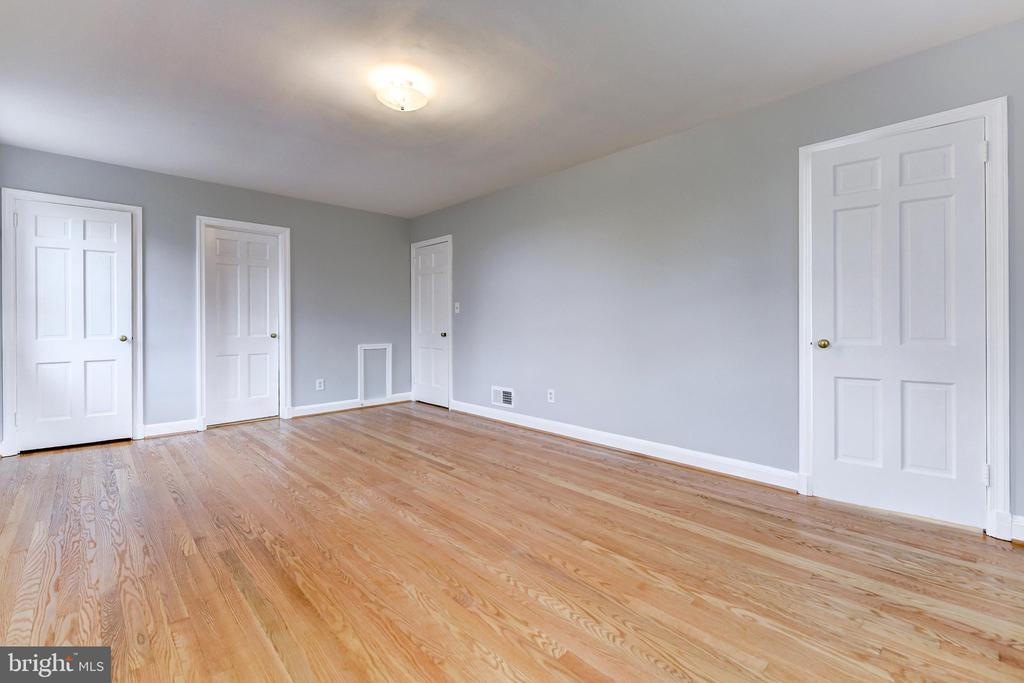 Master Bedroom, Looking at Two Closets and Bath. - 5135 34TH ST NW, WASHINGTON