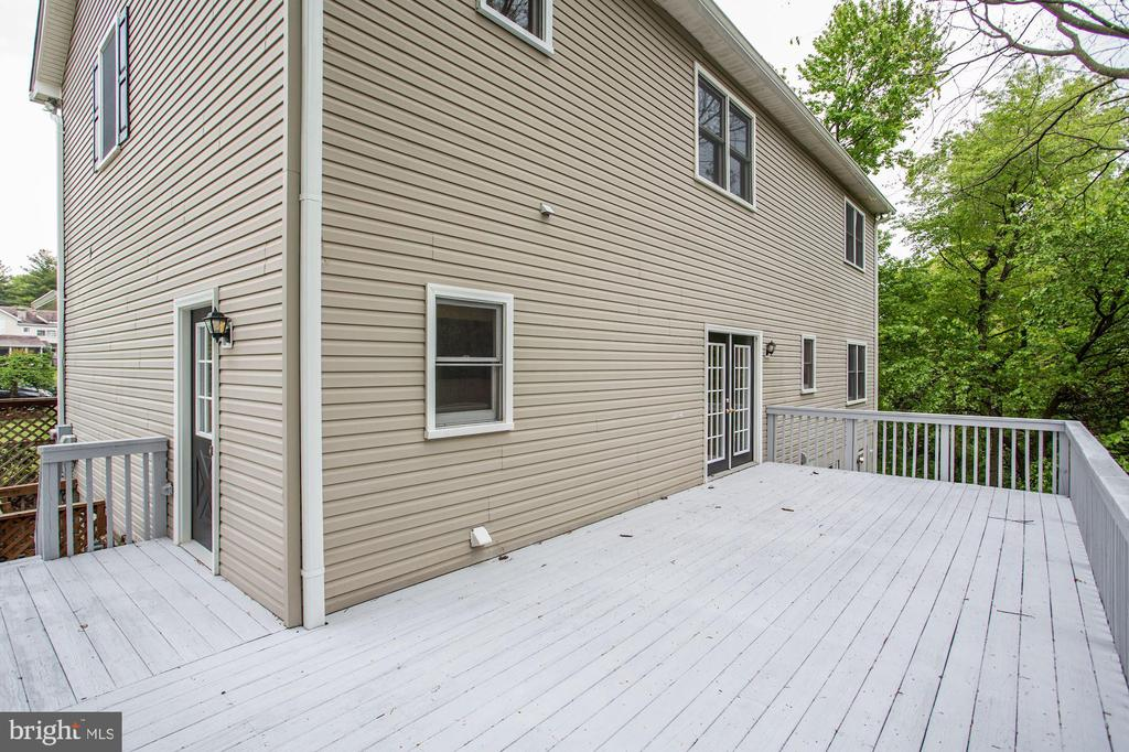 Large Deck - 6208 VALLEY VIEW DR, ALEXANDRIA