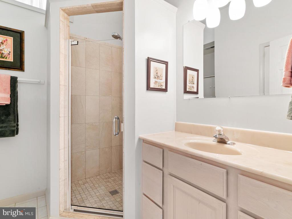 Full bath on lower level - 1281 AUBURN GROVE LN, RESTON