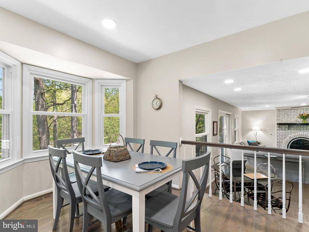 Breakfast  room with walk-in bay - 1281 AUBURN GROVE LN, RESTON
