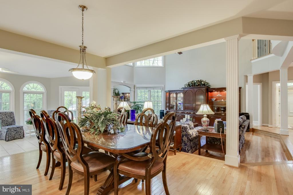 Breakfast room - 16917 OLD SAWMILL RD, WOODBINE