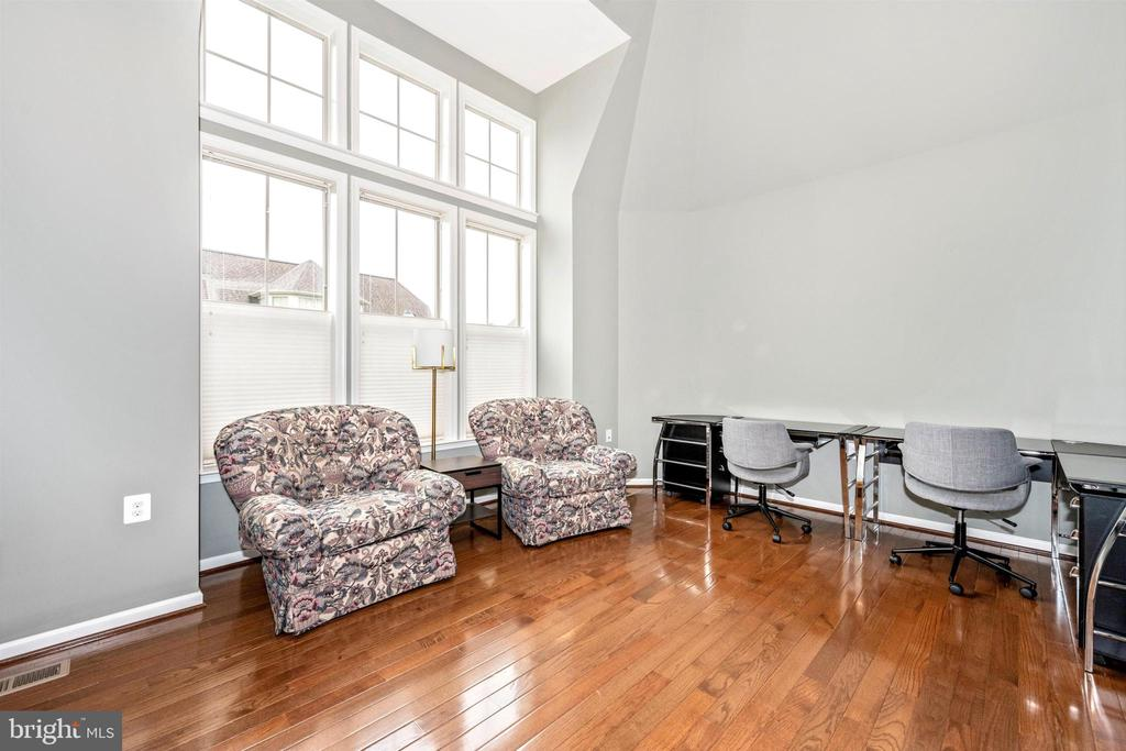 Main Level Office with Great Natural Light - 3026 OLD ANNAPOLIS TRL, FREDERICK
