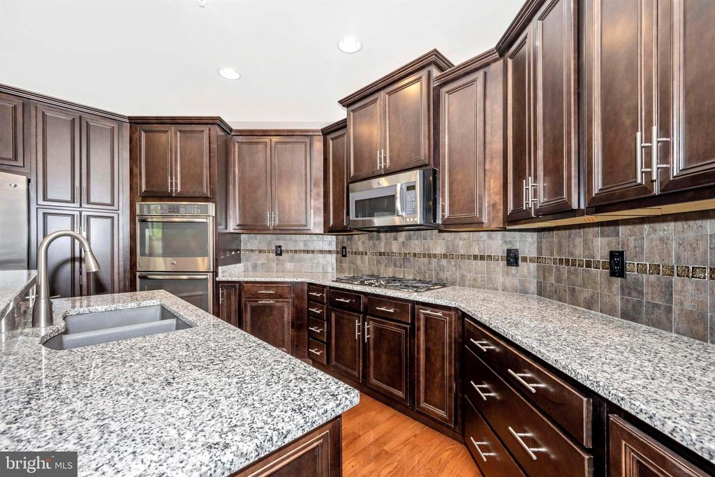 Gourmet Kitchen - Double Oven - 3026 OLD ANNAPOLIS TRL, FREDERICK