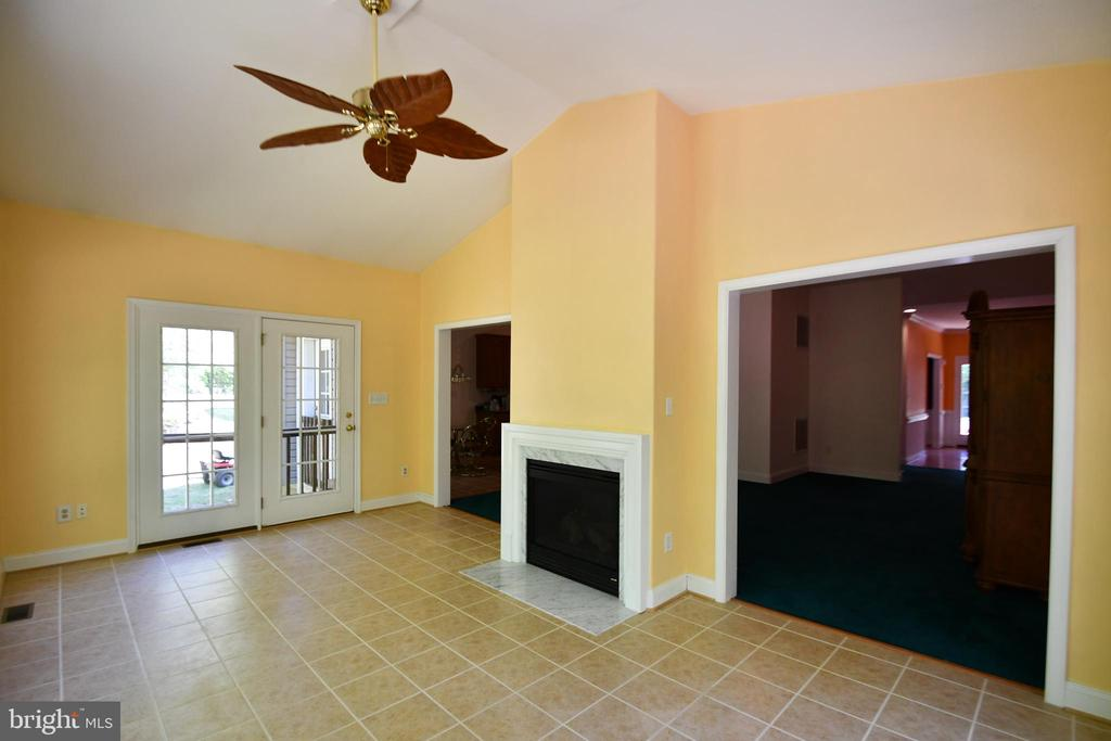 Sunroom with 2 sided fireplace - 79 MILLBROOK RD, STAFFORD