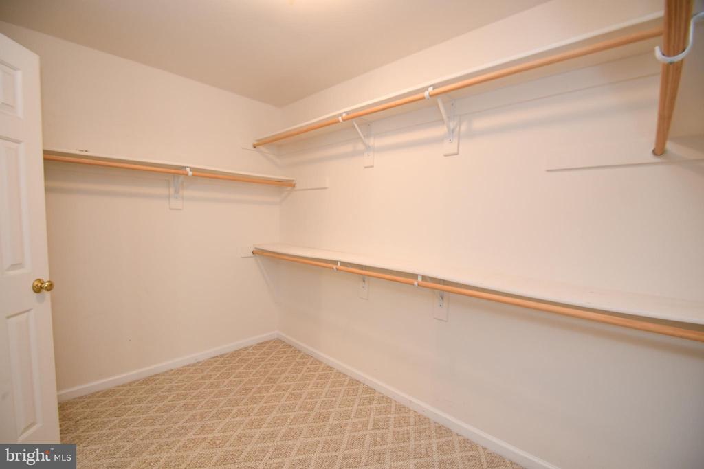 Basement Bedroom 4 closet - 79 MILLBROOK RD, STAFFORD