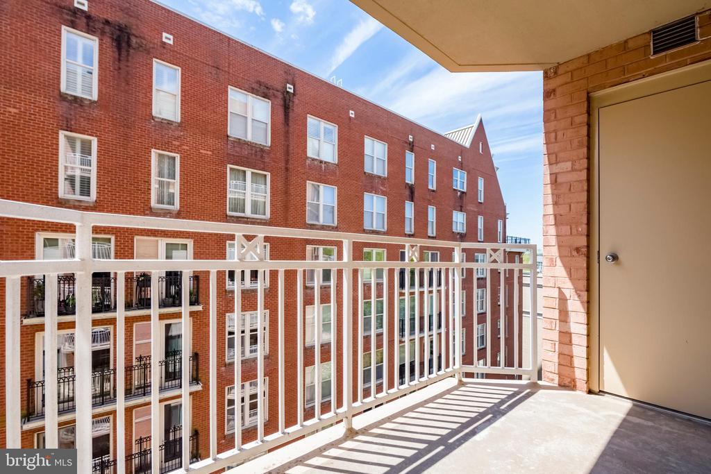 Balcony + outdoor storage - 7500 WOODMONT AVE #S902, BETHESDA