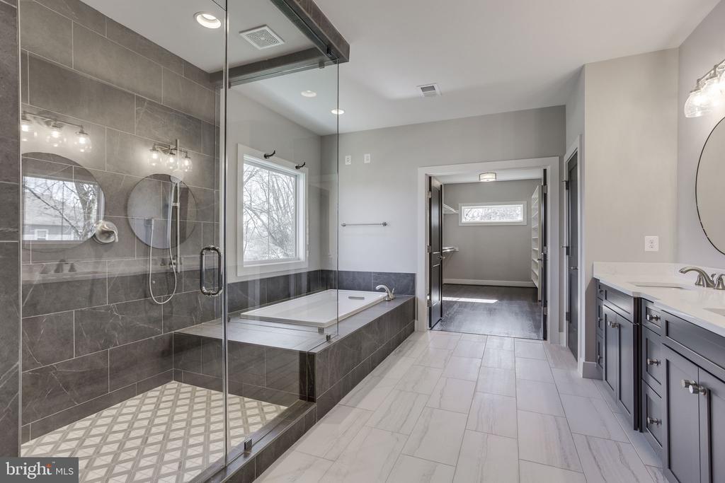 Master Bath - 412 ORLEANS CIR SW, VIENNA