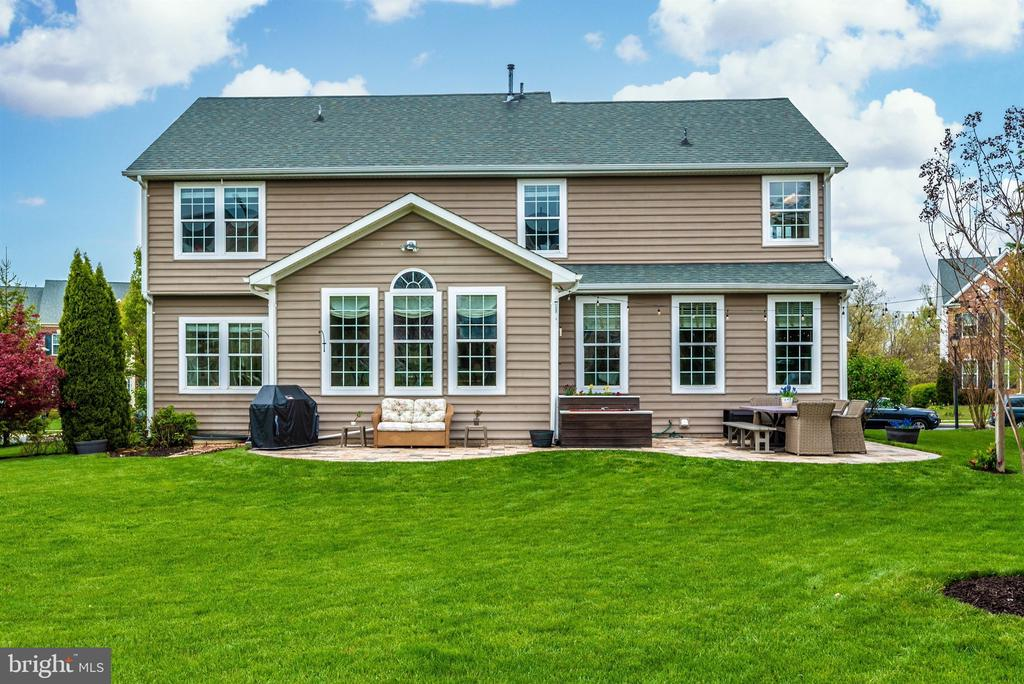 Picture perfect!! - 9823 NOTTING HILL DR, FREDERICK