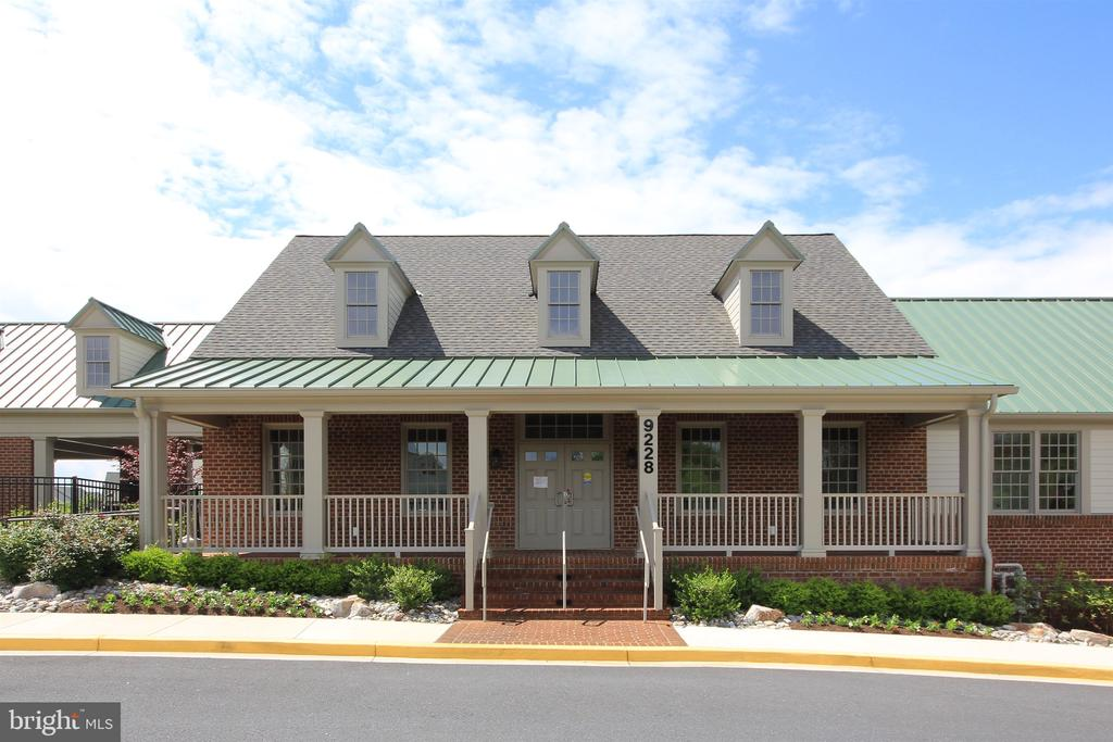 Community amenities - 9823 NOTTING HILL DR, FREDERICK