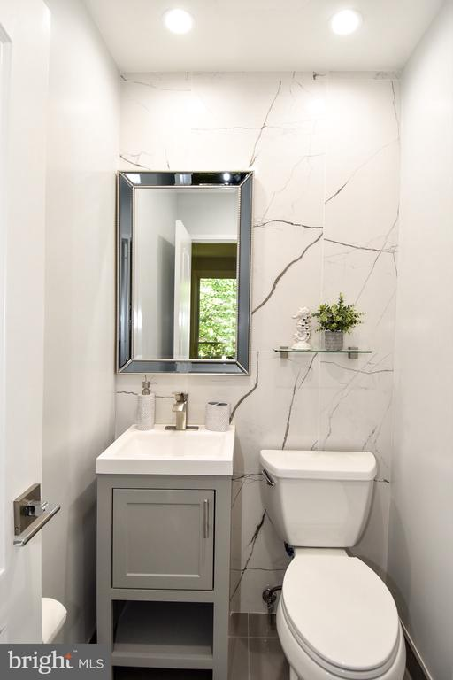 Master Bathroom - 54 G ST SW #113, WASHINGTON