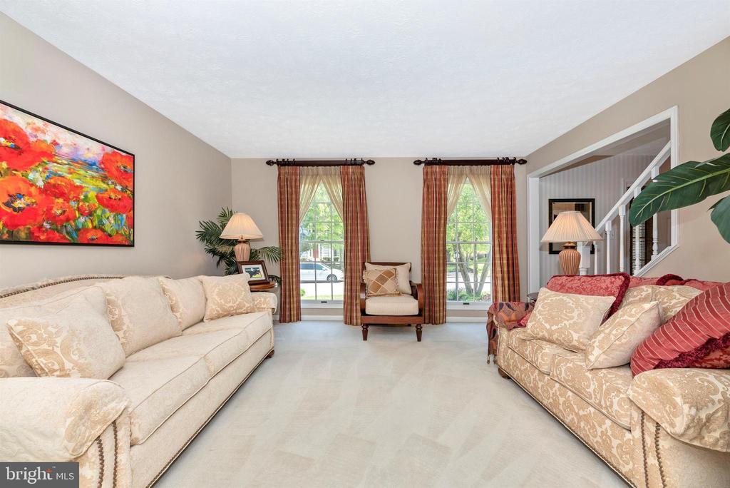 Living Room - 6128 HUCKLEBERRY WAY, NEW MARKET