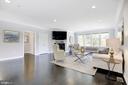 Huge family room - 5900 RYLAND DR, BETHESDA