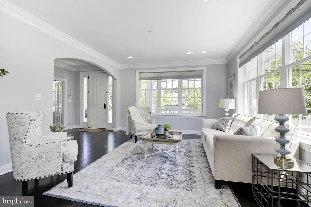 Sun-drenched living room - 5900 RYLAND DR, BETHESDA