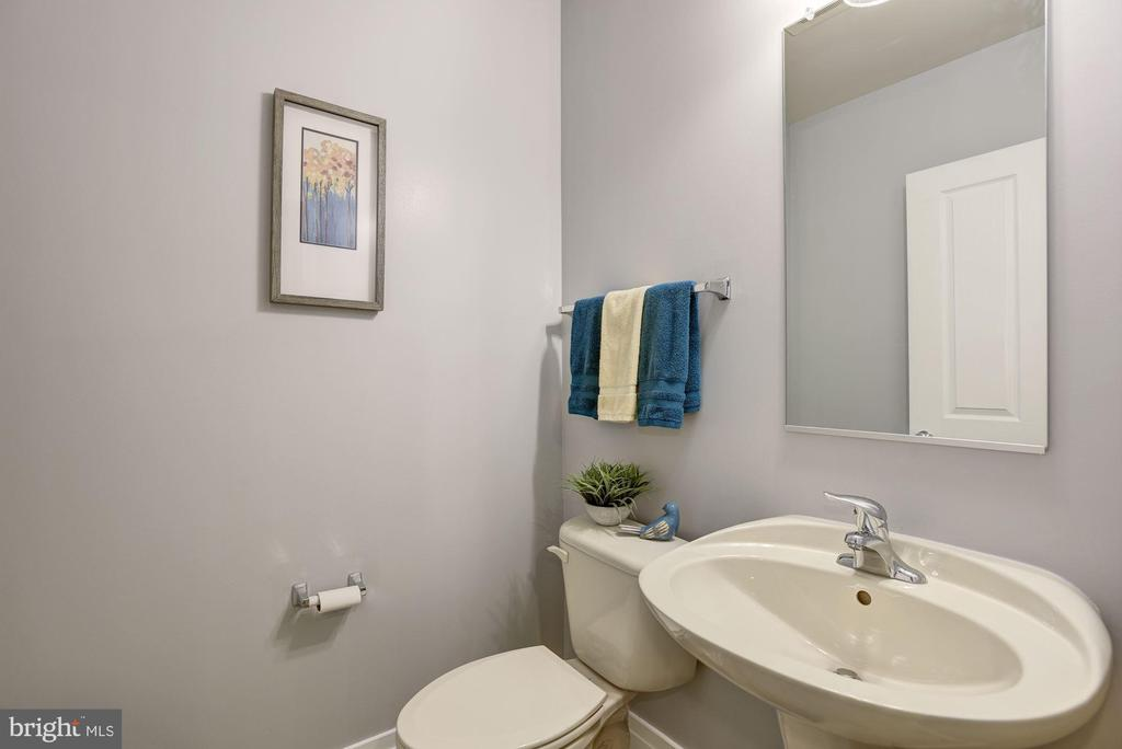 Half Bath - 1201 N GARFIELD ST #109, ARLINGTON