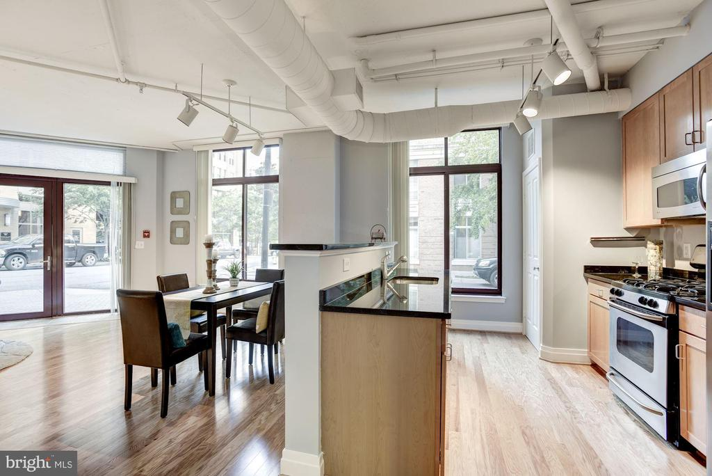 Open Concept - 1201 N GARFIELD ST #109, ARLINGTON