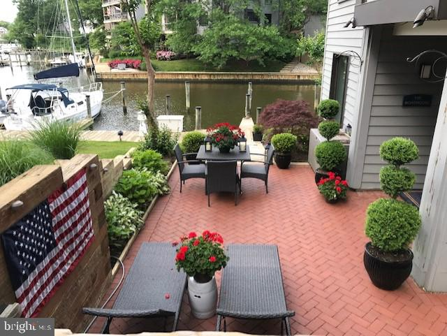 Another outdoor entertaining spot - 12 SPA CREEK LNDG #A, ANNAPOLIS