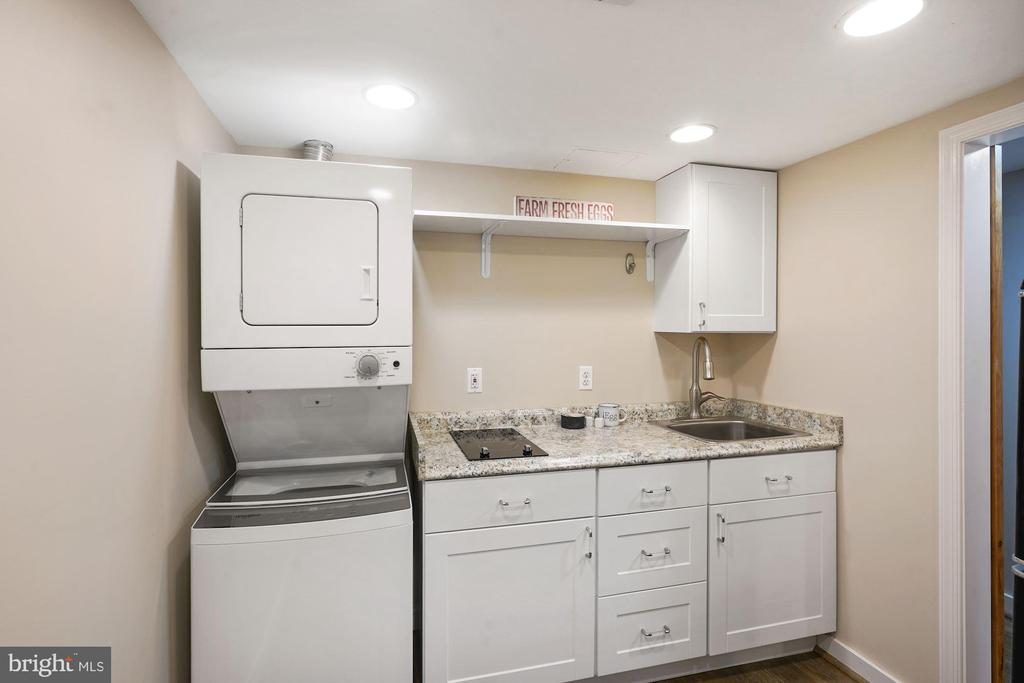 Lower Level 2nd wash/dryer & service area - 3030 N QUINCY ST, ARLINGTON