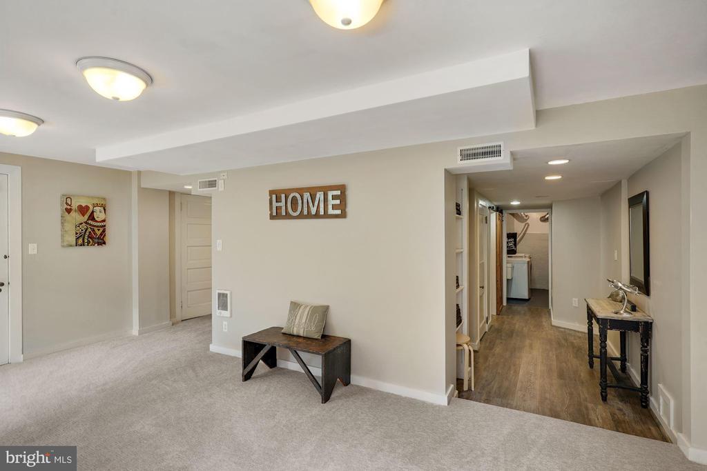 Lower Level Rec Room - 3030 N QUINCY ST, ARLINGTON