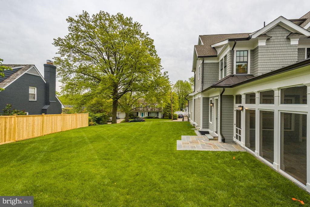 Spacious Backyard with Rear Fence - 3201 WINNETT RD, CHEVY CHASE