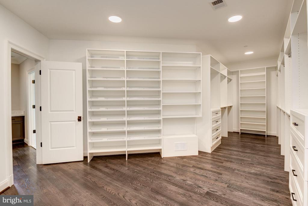Master Bedroom Walk-in Closet - 3201 WINNETT RD, CHEVY CHASE