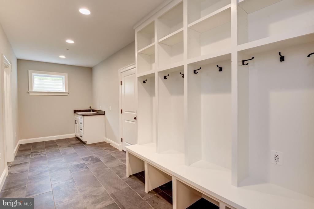 Mudroom off Garage w/ Built-In Cubbies and Sink - 3201 WINNETT RD, CHEVY CHASE