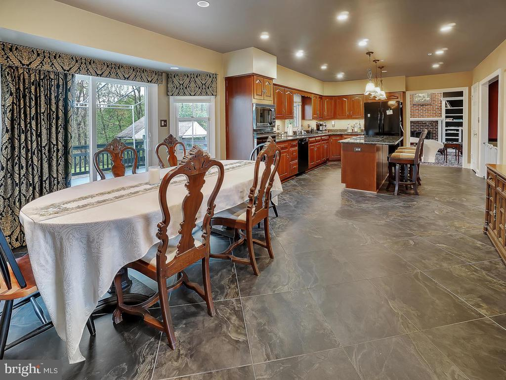 Eat in Kitchen with views of Deck & Pool area - 11667 FAIRMONT PL, IJAMSVILLE