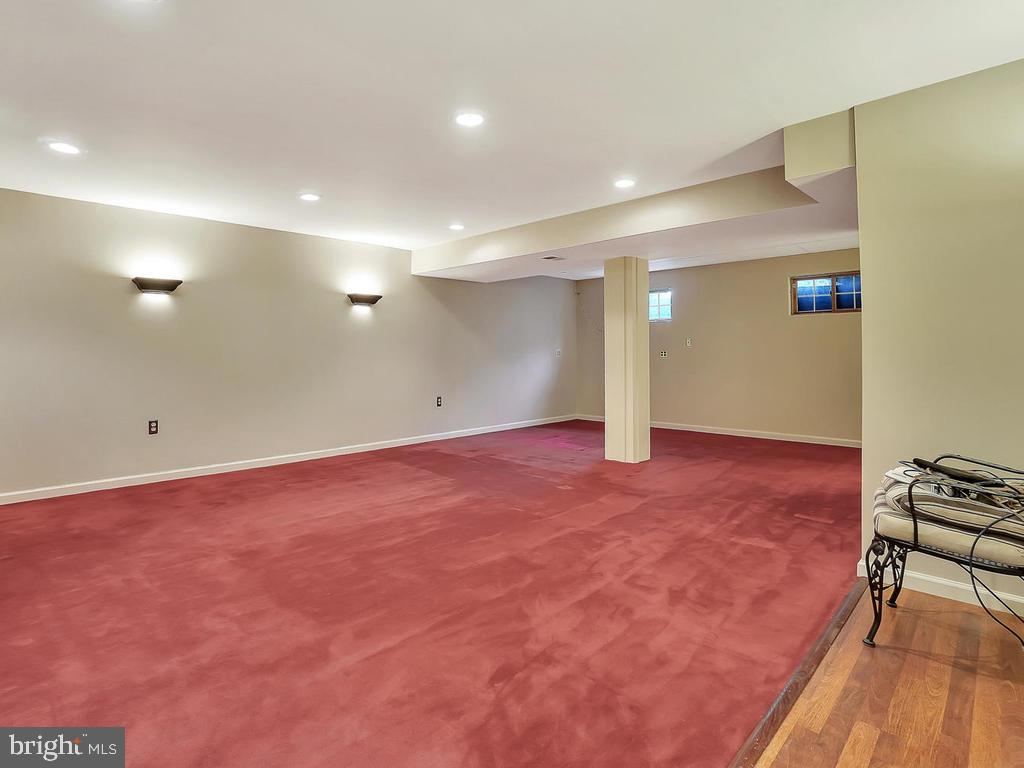 Lower level Rec Room with carpet - 11667 FAIRMONT PL, IJAMSVILLE