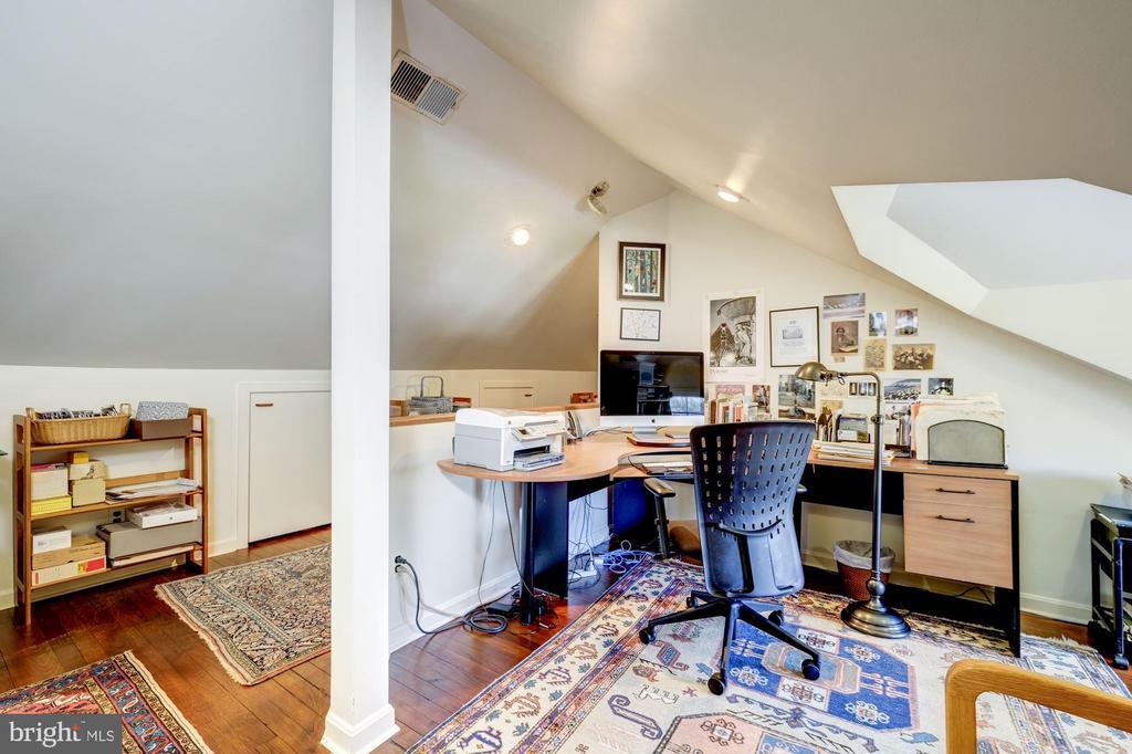 3rd Floor Office - 3828 GRAMERCY ST NW, WASHINGTON