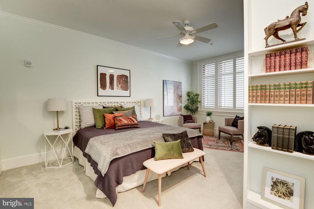 Master Bedroom - 9601 DEWITT DR, SILVER SPRING