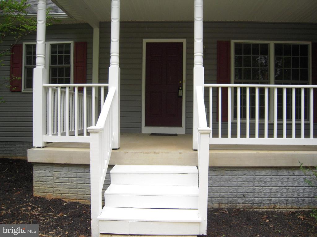 Welcome Home! - 612 LAKEVIEW PKWY, LOCUST GROVE