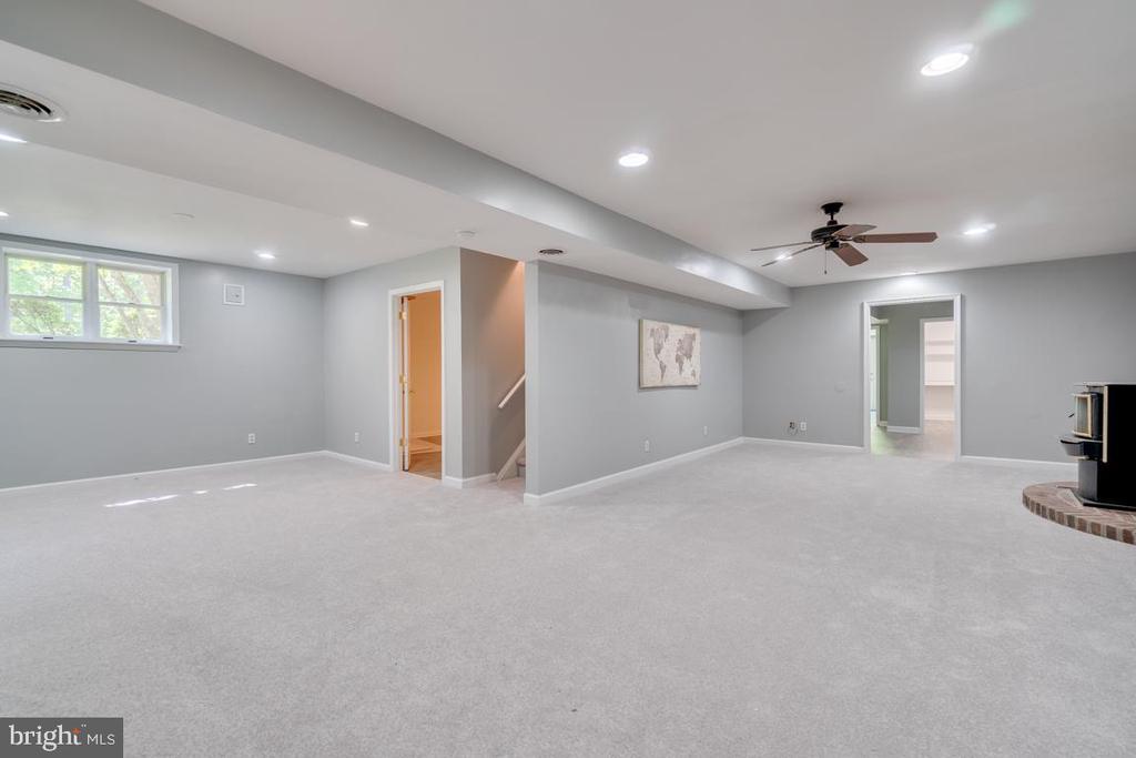 Basement Bedroom Recreation Room - 646 HOLLY CORNER RD, FREDERICKSBURG