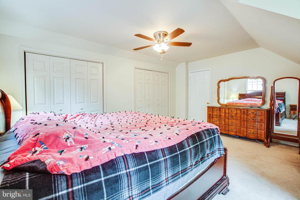master bedroom - upper floor - 9521 RAPIDAN DR, FREDERICKSBURG