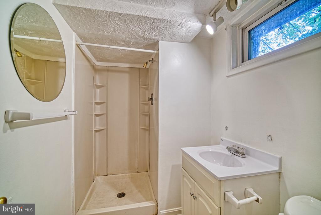 Full bathroom in basement - 2612 HILLSMAN ST, FALLS CHURCH