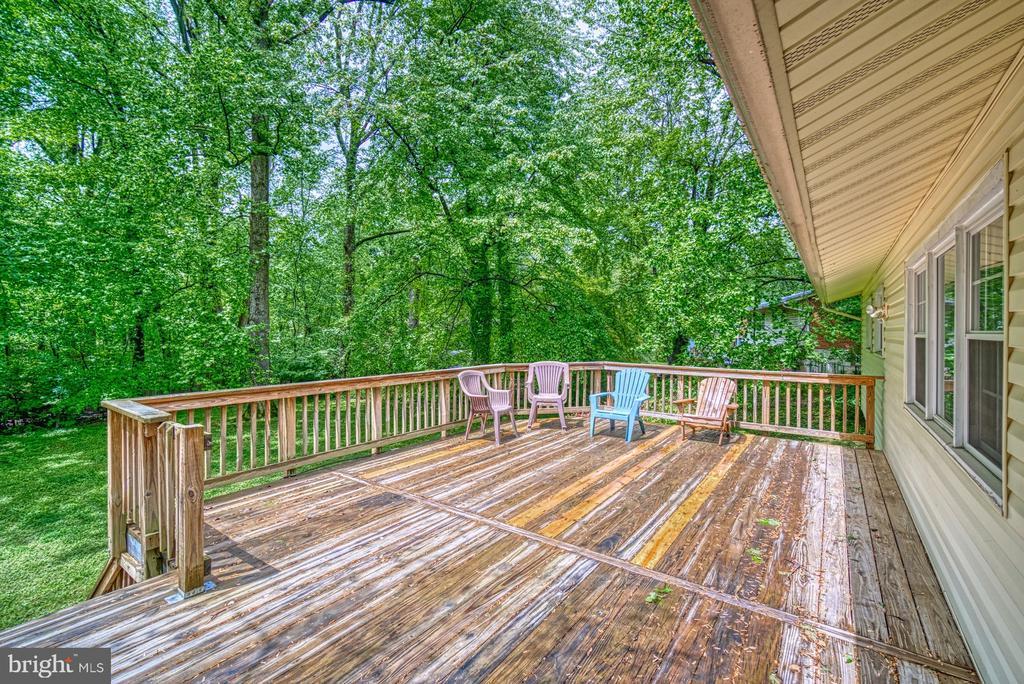 Huge deck to enjoy~your back yard - 2612 HILLSMAN ST, FALLS CHURCH