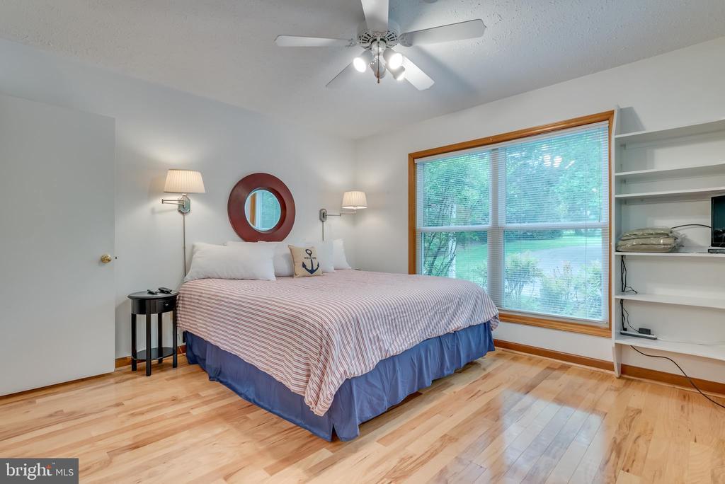 Master bedroom - 6211 BRYN LN, MINERAL