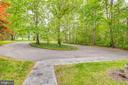 Large circular driveway - 6211 BRYN LN, MINERAL