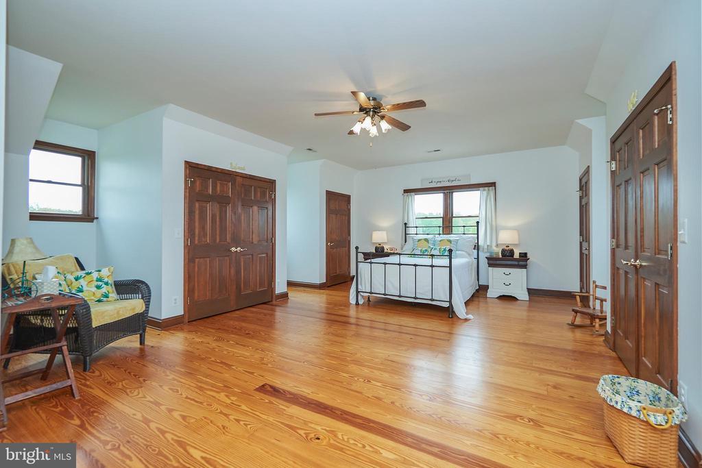 Spacious 2nd bedroom - 345 GRIMSLEY RD, FLINT HILL