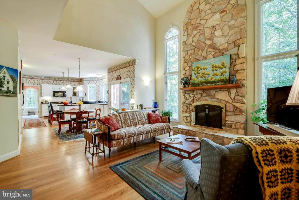 Large Kitchen Opens to Family Room! - 12210 GLADE DR, FREDERICKSBURG